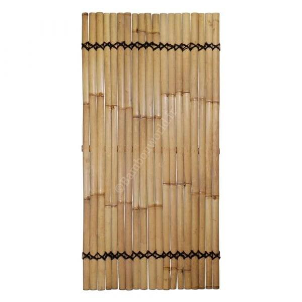 panneau en lattes de bambou clair
